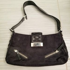 NEW XOXO Black Zippered bag w magnetic clasp
